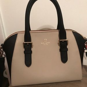 100% authentic Kate spade purse!